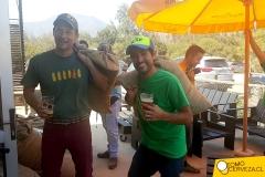 Asbjorn Gerlach y Álvaro Leiva en el día de la elaboración Wet Hop 2016 (Colaborativa Kaff y Kross)